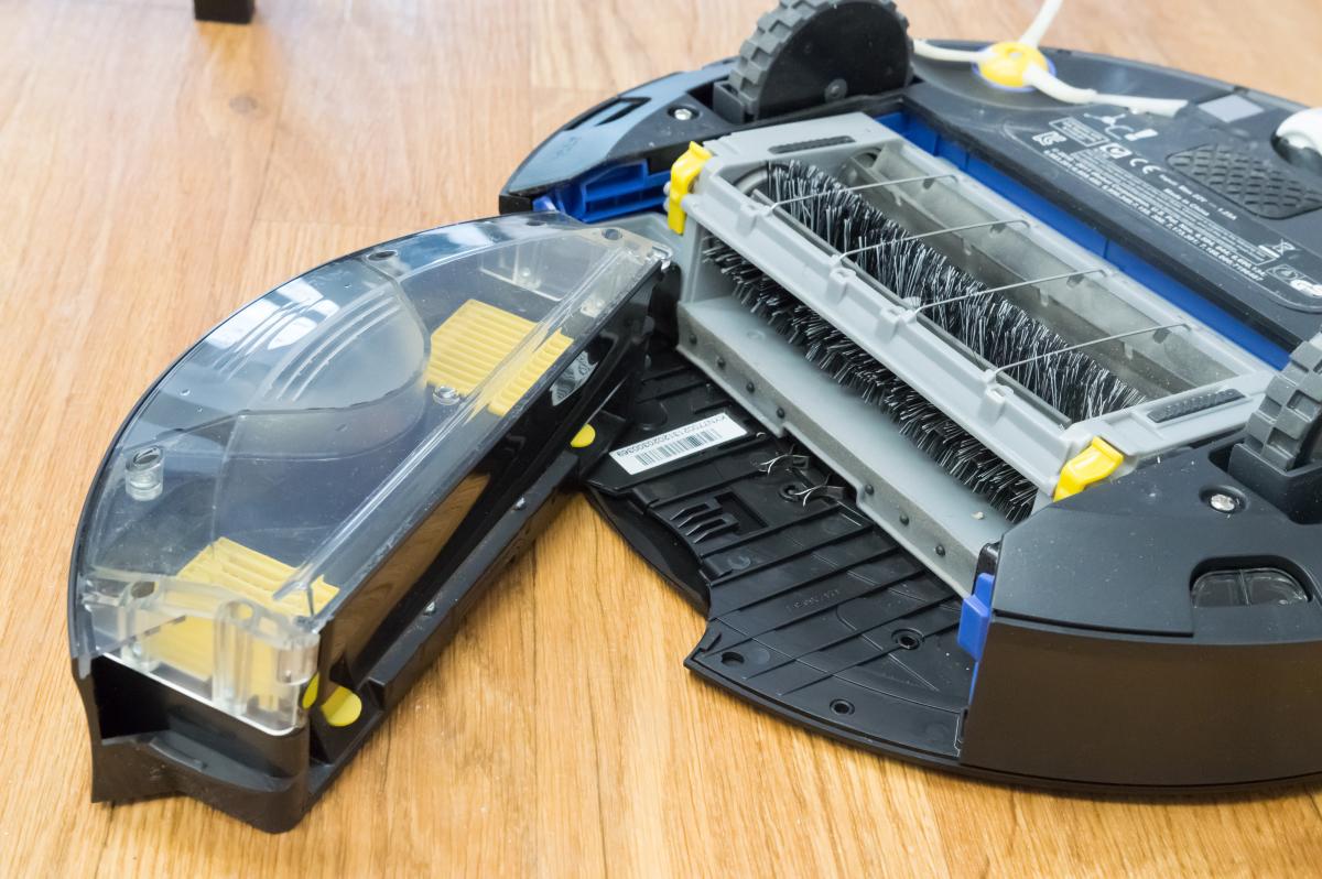 iRobot Roomba 770 Robotic Vacuum Cleaner dustbin