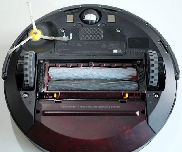 iRobot Roomba 890 bottom