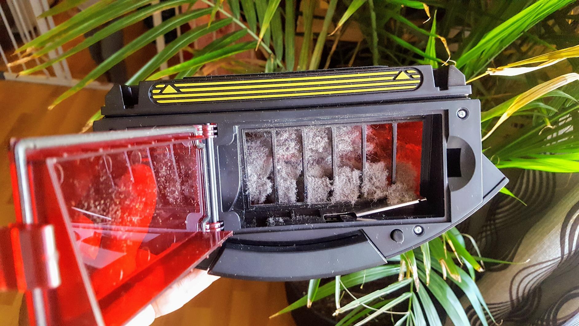 iRobot Roomba 890 dustbin