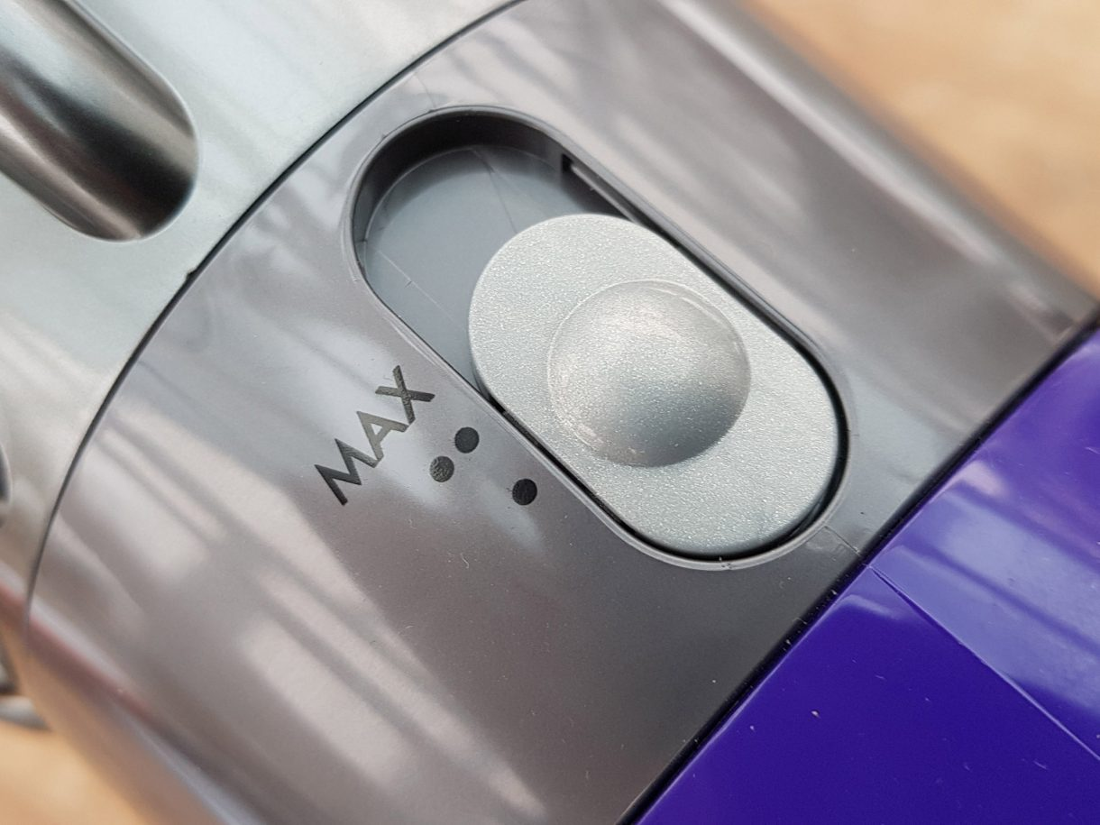 Dyson Cyclone V10 Absolute power mode switch