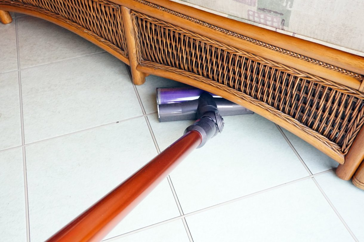 Dyson Cyclone V10 Absolute under furniture